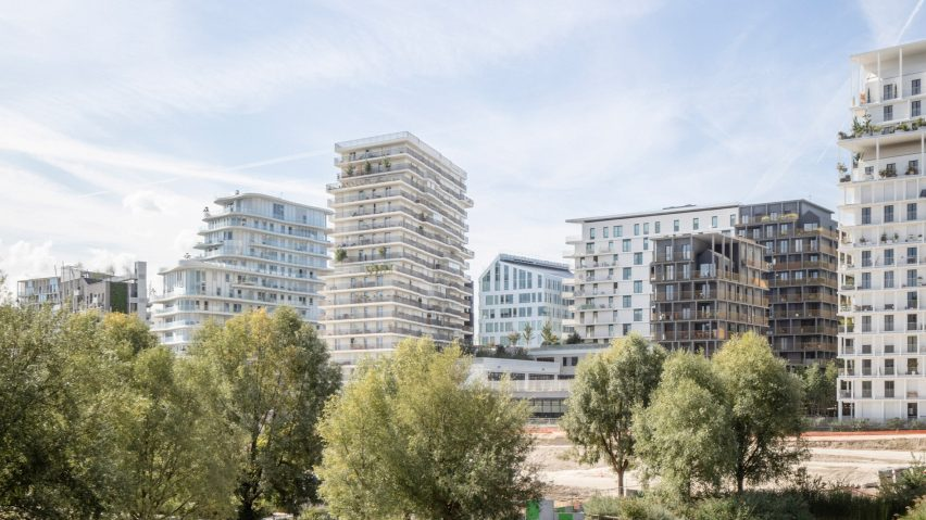 O4A is a Paris development with a primary school, sports centre and two tower blocks of social housing by architecture studios Brisac Gonzalez and Antoine Régnault